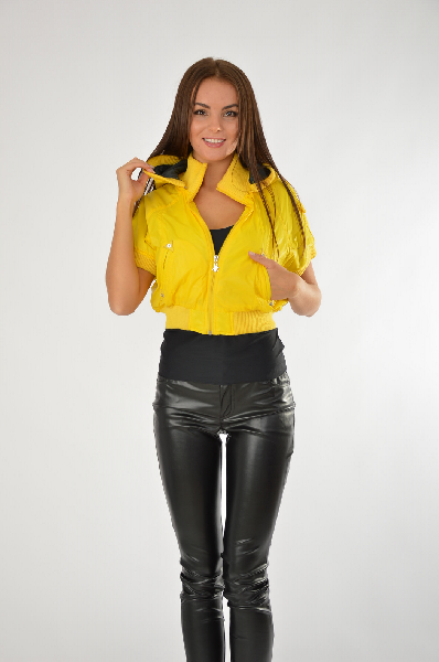 женская куртка people, желтая