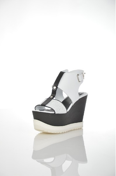 женские босоножки на каблуке roberto botella, белые