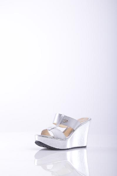 женское сабо на каблуке blu byblos, платиновое
