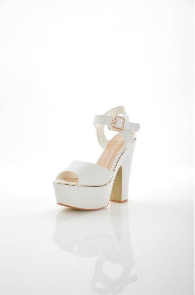 женские босоножки на каблуке stephan, белые