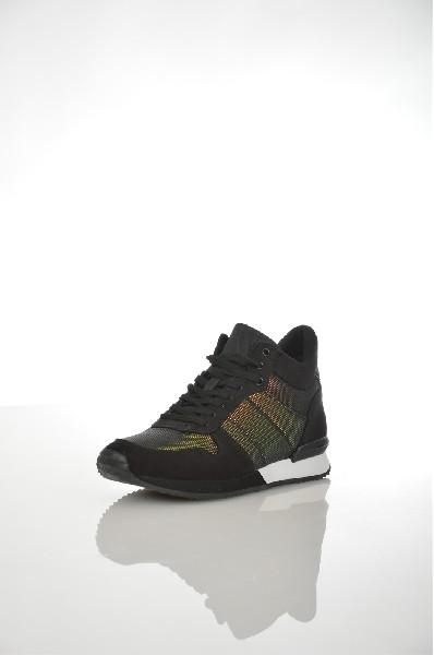 Кроссовки ALDOЖенская обувь<br>Цвет: Черный<br> Сезон: Осенне-весенний<br> Материал подошвы: Искусcтвенный материал<br> Материал верха: Искусственная замша<br> Материал подкладки: Текстиль<br> Стиль обуви: Повседневный (casual)<br> Страна: Канада<br><br>Материал: Искусственная замша<br>Сезон: ВЕСНА/ОСЕНЬ<br>Коллекция: Осень-зима<br>Пол: Женский<br>Возраст: Взрослый<br>Цвет: Черный<br>Размер RU: 37.5