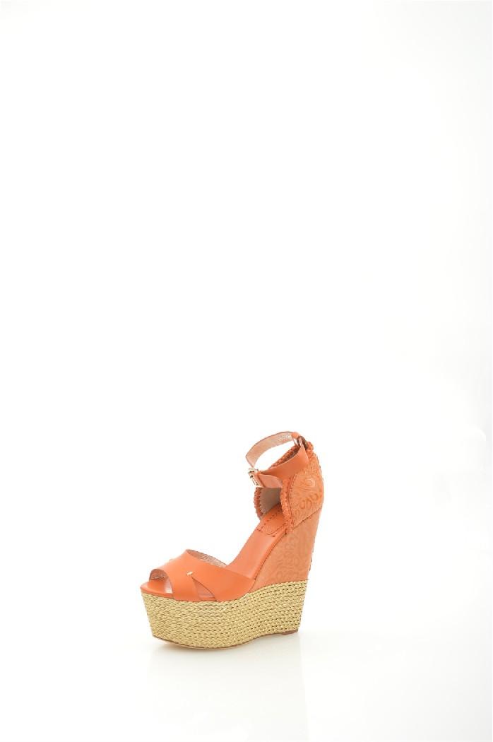 Босоножки Grand StyleЖенская обувь<br>Модель декорирована изысканным тиснением, плетением и золотистой обмоткой.<br> <br> Материал верха: натуральная кожа<br> Внутренний материал: натуральная кожа<br> Материал стельки: натуральная кожа<br> Высота каблука: 15 см<br> Высота голенища / задника: 6.5 см<br> Высота платформы: 5.5 см<br> Сезон: лето<br> Цвет: оранжевый<br> <br> Страна производства: Турция<br><br>Высота каблука: 15.5 см<br>Высота платформы: 5.5 см<br>Высота голенища / задника: 6 см<br>Материал: Натуральная кожа<br>Сезон: ЛЕТО<br>Коллекция: Весна-лето<br>Пол: Женский<br>Возраст: Взрослый<br>Цвет: Оранжевый<br>Размер RU: 37