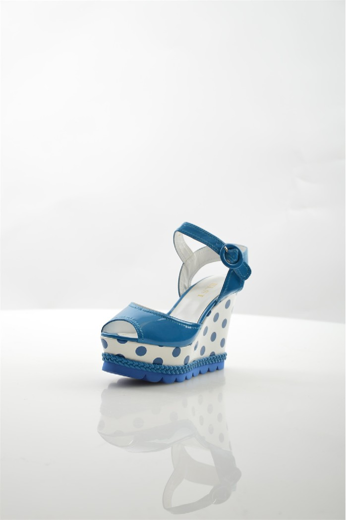 Босоножки ELSIЖенская обувь<br>Цвет: синий<br> Состав: экокожа<br> Уход за изделием: протирать губкой<br> Высота каблука: 11 см<br> Высота платформы: 4.5 см<br> <br> Страна: Италия<br><br>Высота каблука: 11 см<br>Высота платформы: 4.5 см<br>Материал: Эко-кожа<br>Сезон: ЛЕТО<br>Коллекция: Весна-лето<br>Пол: Женский<br>Возраст: Взрослый<br>Цвет: Синий<br>Размер RU: 38