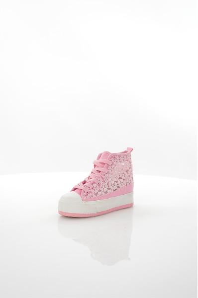 Сникеры BurlesqueЖенска обувь<br>Цвет: розовый<br> Состав: текстиль 100%<br> <br> Вид застежки: Шнуровка<br> Фактура материала: Текстильный<br> Материал подошвы обуви: резина<br> Материал стельки: текстиль<br> Вид каблука: без каблука<br> Габариты предметов: Высота платформы: 1 см; Высота подошвы: 1 см<br> Размер: Маломерт<br> <br> Назначение обуви: повседневна<br> Материал подкладки обуви: Без подкладки<br> Сезон: лето<br> Пол: Женский<br> Страна бренда: Росси<br> Страна производитель: Росси<br><br>Высота платформы: 1 см<br>Материал: Текстиль<br>Сезон: ВЕСНА/ОСЕНЬ<br>Коллекци: Весна-лето<br>Пол: Женский<br>Возраст: Взрослый<br>Цвет: Розовый<br>Размер RU: 37