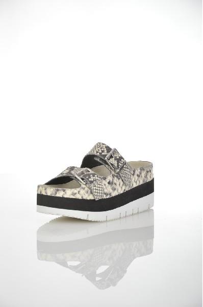 Сабо ASHЖенская обувь<br>Цвет: серый<br> <br> Состав: натуральная кожа,натуральный велюр<br> <br> Высота каблука Средний: 6 см<br> Высота платформы Cредняя: 4 см<br> Материал верха Кожа<br> Материал стельки Кожа; натуральная кожа: 100 %<br> Материал подошвы Резина; резина: 100 %<br> Материал подкл...<br><br>Высота каблука: 6 см<br>Высота платформы: 4 см<br>Материал: Натуральная кожа<br>Сезон: ЛЕТО<br>Коллекция: (Справочник &quot;Номенклатура&quot; (Общие)): Весна-лето<br>Пол: Женский<br>Возраст: Взрослый<br>Цвет: Серый<br>Размер RU: 38