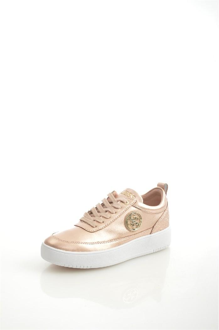 Кеды GUESSЖенская обувь<br>Цвет: золотистый<br> Состав: натуральная кожа 100%<br> <br> Материал подкладки обуви: Текстиль<br> Материал подошвы обуви: резина<br> Материал стельки: текстиль<br> Сезон: демисезон<br> <br> Страна бренда: Соединенные Штаты<br> Страна производитель: Индонезия<br><br>Материал: Натуральная кожа<br>Сезон: ВЕСНА/ОСЕНЬ<br>Коллекция: Весна-лето<br>Пол: Женский<br>Возраст: Взрослый<br>Цвет: Золотой<br>Размер RU: 38