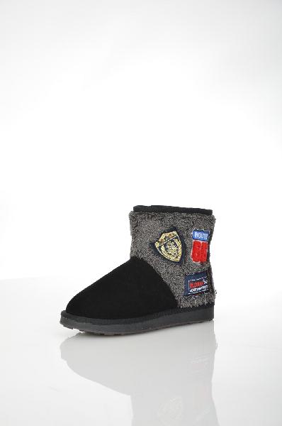 Полусапожки HUQЖенская обувь<br>Цвет: черный<br> Материал верха: велюр искусственный<br> Материал подкладки: искусственный мех<br> Материал стельки: искусственный мех<br> Материал подошвы: искусственный материал, рифленая<br> Параметры изделия: для размера 37/37: толщина подошвы 1,5-2,5 см, ширина носка стельки 10 см, длина подошвы 26,5 см<br> Уход за изделиемпротирать губкой<br> Страна: Италия<br><br>Высота платформы: 1.5 см<br>Материал: Искусственный велюр<br>Сезон: ЗИМА<br>Коллекция: Осень-зима<br>Пол: Женский<br>Возраст: Взрослый<br>Цвет: Черный<br>Размер RU: 37