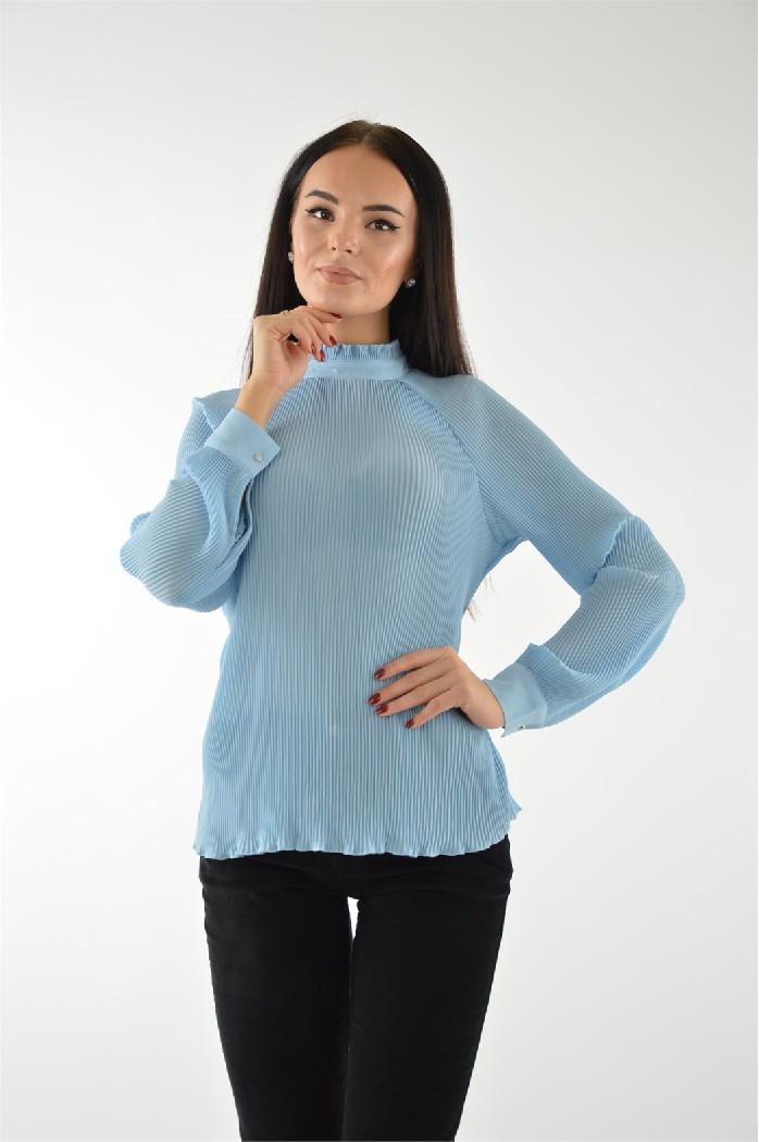 Водолазка ZARINAЖенская одежда<br>Цвет: голубой<br> Состав: полиэстер 100%<br> <br> Вид застежки: Пуговицы<br> Вырез горловины: округлый<br> Длина рукава: Длинные<br> Покрой: приталенный<br> Длина изделия: по спинке: 61.5 см<br> Фактура материала: Гладкий<br> Уход за вещами: ручная стирка при температуре не выше 40°С<br> Сезон: демисезон<br> Страна: Россия<br><br>Материал: Полиэстер<br>Сезон: ВЕСНА/ОСЕНЬ<br>Коллекция: Осень-зима<br>Пол: Женский<br>Возраст: Взрослый<br>Цвет: Голубой<br>Размер INT: S/M