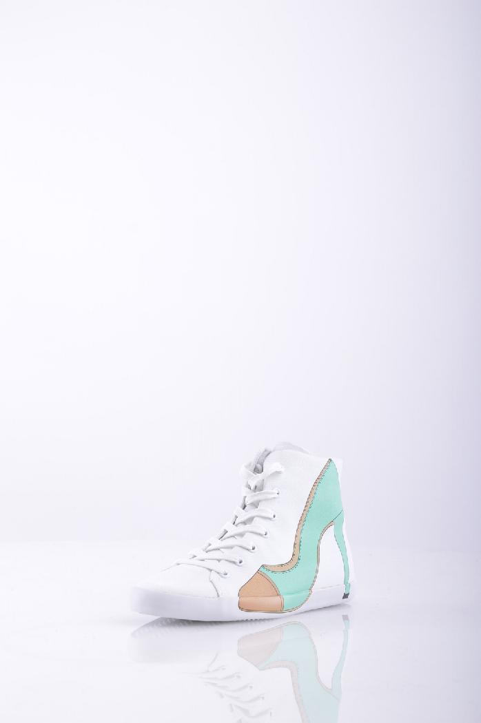 Высокие кеды OLOЖенская обувь<br>Материал: парусина, логотип, принт, одноцветное изделие, шнуровка, скругленный носок, резиновая подошва, без каблука<br> <br> Страна: Италия<br><br>Материал: Текстильное волокно<br>Сезон: МУЛЬТИ<br>Коллекция: Весна-лето<br>Пол: Женский<br>Возраст: Взрослый<br>Цвет: Белый<br>Размер RU: 37