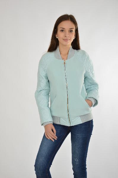 Куртка утепленная Grand StyleЖенская одежда<br>Куртка от Grand Style выполнена в мятном цвете из полушерстяного пальтового текстиля и стеганой болоньевой ткани. Модель прямого кроя. Детали: трикотажный воротник-стойка; застежка на молнию; длинные рукава реглан с тонким утеплителем; эластичные трикотажные внутренние манжеты и нижняя часть; два внешних кармана на молнии; тонкая гладкая подкладка.<br> <br> Состав Шерсть - 60%, Полиэстер - 30%, Вискоза - 10%<br> Материал подкладки Полиэстер - 50%, Вискоза - 50%<br> Длина 60 см<br> Длина рукава 60 см<br> Цвет зеленый<br> Страна Россия<br> Сезон Демисезон<br> Коллекция Весна-лето<br><br>Материал: Шерсть<br>Сезон: ВЕСНА/ОСЕНЬ<br>Коллекция: Весна-лето<br>Пол: Женский<br>Возраст: Взрослый<br>Цвет: Голубой<br>Размер INT: S