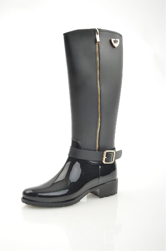 Резиновые полусапоги KeddoЖенская обувь<br>Цвет: черный<br> Состав: ПВХ 100%<br> <br> Вид застежки: Молния<br> Материал подкладки обуви: Текстиль<br> Голенище: Высота голенища: 32 см; Обхват голенища: 24 см<br> Габариты предмета (см): высота подошвы<br> Материал подошвы обуви: ПВХ<br> Материал стельки: текстиль<br> Сезон: демисезон<br> <br> Страна: Соединенное Королевство<br><br>Высота каблука: 3 см<br>Объем голени: 24 см<br>Высота голенища / задника: 32 см<br>Материал: ПВХ<br>Сезон: ВЕСНА/ОСЕНЬ<br>Коллекция: Весна-лето<br>Пол: Женский<br>Возраст: Взрослый<br>Цвет: Черный<br>Размер RU: 37