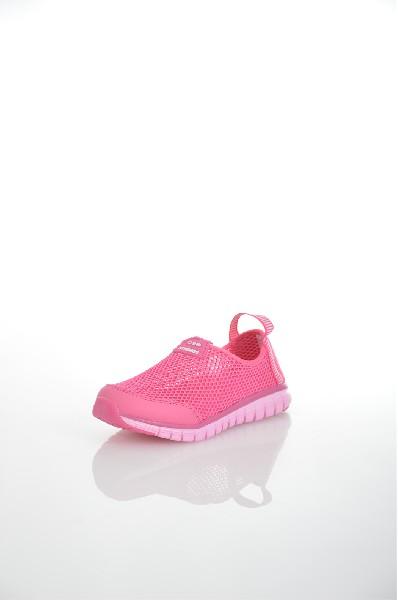 Кроссовки STROBBSОбувь для девочек<br>Спортивный стиль для активного отдыха и повседневной носки. Подошва: ЭВА, низ - износостойкая, углеродистая резина.<br> <br> Цвет: розовый<br> <br> Состав: текстиль<br> <br> По назначению Спорт<br> Высота платформы Низкая: 1 см<br> Материал верха Текстиль<br> Материал стельки Текстиль: 100 %<br> Материал подошвы Резина: 100 %; Искусственный материал: 100 %<br> Форма мыска Закругленный мысок<br> Вид застежки Без застежки<br> Декоративные элементы логотип<br> Форма каблука Танкетка<br> Особенность материала верха Текстильный<br> Высота каблука Высота: 2 см<br> Материал подкладки без подкладки<br> Сезон лето<br> Пол Детский<br><br>Высота каблука: 2 см<br>Высота платформы: 1 см<br>Материал: Текстиль<br>Сезон: ЛЕТО<br>Коллекция: Весна-лето<br>Пол: Женский<br>Возраст: Детский<br>Цвет: Розовый<br>Размер RU: 34