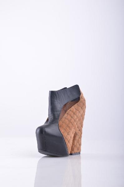 Ботильоны JEFFREY CAMPBELLЖенская обувь<br>Высота каблука: 17 см.<br><br><br> Высота платформы: 5 см.<br><br><br> Материал: Натуральная кожа<br><br> Страна: США<br><br>Высота каблука: 17 см<br>Высота платформы: 5 см<br>Материал: Искусственная кожа<br>Сезон: ЛЕТО<br>Коллекция: Весна-лето<br>Пол: Женский<br>Возраст: Взрослый<br>Цвет: Разноцветный<br>Размер RU: 37