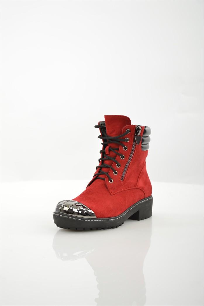 Ботинки ELSIЖенская обувь<br>Ботинки Elsi выполнены из искусственной замши. Внутренняя отделка из байки. Детали: металлические люверсы, шнуровка, стеганое голенище, металлическая вставка на мыске.<br> <br> Материал верха искусственная замша<br> Внутренний материал байка<br> Материал стельки байка<br> Материал подошвы резина<br> Высота голенища / задника 14 см<br> Высота каблука 4 см<br> Застежка на шнурках<br> Цвет красный<br> Сезон Демисезон, Зима<br> Стиль Повседневный<br> Коллекция Осень-зима<br> Детали обуви декоративные молнии, металл<br> Узор Однотонный<br> Высота каблука Низкий<br> Тип ботинок На шнуровке<br> Страна: Италия<br><br>Высота каблука: 4 см<br>Высота голенища / задника: 14 см<br>Материал: Искусственная замша<br>Сезон: ЗИМА<br>Коллекция: Осень-зима<br>Пол: Женский<br>Возраст: Взрослый<br>Цвет: Красный<br>Размер RU: 37
