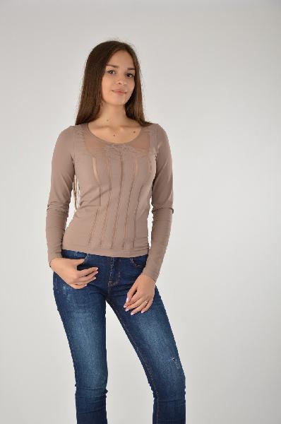 Пуловер WolfordЖенская одежда<br>Обтягивающий пуловер с округлым вырезом в телесно-бежевом цвете. Изделие эффектно подчеркивает фигуру, а прозрачные вставки придают пикантности. Стильная модель для комплектов в женственном стиле.<br>Материал: 91% Спандекс. 9% полиамид<br> Страна: Австрия<br><br>Материал: Спандекс<br>Сезон: ВЕСНА/ОСЕНЬ<br>Коллекция: Весна-лето<br>Пол: Женский<br>Возраст: Взрослый<br>Цвет: Коричневый<br>Размер INT: XS