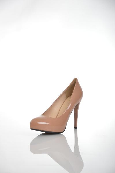Туфли MAKFINEЖенская обувь<br>Цвет: бежевый<br> Материал верха: кожа искусственная лакированная<br> Материал подкладки: кожа искусственная<br> Материал стельки: кожа искусственная<br> Материал подошвыискусственный материал, шероховатая<br> Параметры изделия: для размера 38/38: высота скрытой платформы 2 см, ширина носка стельки 7,6 см. <br> Страна Россия<br><br>Высота платформы: 2 см<br>Материал: Искусственная кожа<br>Сезон: ЛЕТО<br>Коллекция: Весна-лето<br>Пол: Женский<br>Возраст: Взрослый<br>Цвет: Бежевый<br>Размер RU: 38