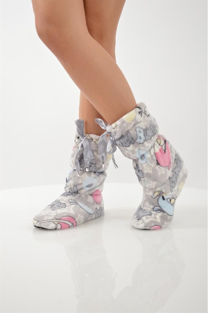 Сапожки домашние CLEOЖенская обувь<br>Цвет: серый<br> Состав: полиэстер 100%<br> <br> Вид застежки: Завязки<br> Фактура материала: Ворсистый<br> Материал подошвы обуви: полимер<br> Материал стельки: искусственный материал<br> Материал подкладки обуви: Флис<br> Вид каблука: без каблука<br> Форма мыска: круглый<br> Назначение обуви: для дома<br> Габариты предметов: Высота подошвы: 0.5 см<br> Вид мыска: закрытый<br> Сезон: демисезон<br> Пол: Женский<br> Страна бренда: Россия<br> Страна производитель: Россия<br><br>Высота платформы: 0.5 см<br>Материал: Полиэстер<br>Сезон: МУЛЬТИ<br>Коллекция: Осень-зима<br>Пол: Женский<br>Возраст: Взрослый<br>Цвет: Серый<br>Размер RU: 38/39