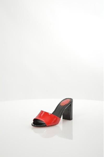 Сабо RiccoronaЖенская обувь<br>Цвет: красный<br> Материал верха: натуральный лак<br> Материал подкладки: экокожа<br> Материал стельки: экокожа<br> Материал подошвы: тунит<br> Высота каблука: 8,5 см<br> Цвет и обтяжка каблука: черный<br> Местоположение логотипа: стелька<br> Уход за изделием: протирать губкой<br> Страна: Италия<br><br>Высота каблука: 8.5 см<br>Материал: Лак<br>Сезон: ЛЕТО<br>Коллекция: Весна-лето<br>Пол: Женский<br>Возраст: Взрослый<br>Цвет: Красный<br>Размер RU: 38