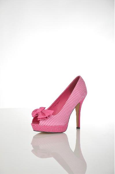 Туфли SvetskiЖенская обувь<br>Цвет: розовый<br> Материал верха: текстиль<br> Материал подкладки: искусственная кожа<br> Материал стельки: искусственная кожа<br> Материал подошвы: искусственный материал, гладкая, бежевый<br> Параметры изделия: для размера 37/37: высота платформы 2,5 см, ширина носка стельки 7,5 см, длина стельки 23,5 см<br> Высота каблука: 12 см<br> Цвет и обтяжка каблука: розовый, текстиль<br> Местоположение логотипа: стелька, подошва<br> Страна: Россия<br><br>Высота каблука: 12 см<br>Высота платформы: 2.5 см<br>Материал: Искусственная кожа<br>Сезон: ЛЕТО<br>Коллекция: Весна-лето<br>Пол: Женский<br>Возраст: Взрослый<br>Цвет: Розовый<br>Размер RU: 37