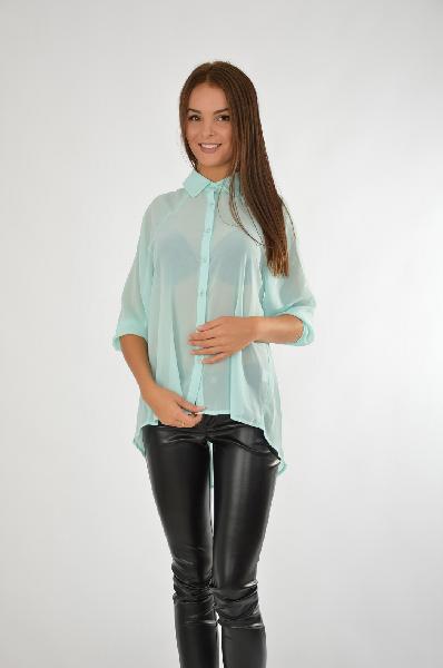 Рубашка SWEEWE ParisЖенская одежда<br>Цвет: ментоловый<br> Состав: 100% полиэстер<br> Описание: Легкая рубашка свободного кроя, декоративные вырезы на спине и вставка из кружева<br> Параметры изделия: для размера M-L/42-44: обхват груди 88 см, длина рукава от горловины 54 см, длина изделия по спинке см<br> Уход за изделием: стирка в теплой воде до 30°С, химчистка<br> Страна: Франция<br><br>Материал: Полиэстер<br>Сезон: ЛЕТО<br>Коллекция: Весна-лето<br>Пол: Женский<br>Возраст: Взрослый<br>Цвет: Светло-зеленый<br>Размер INT: M/L
