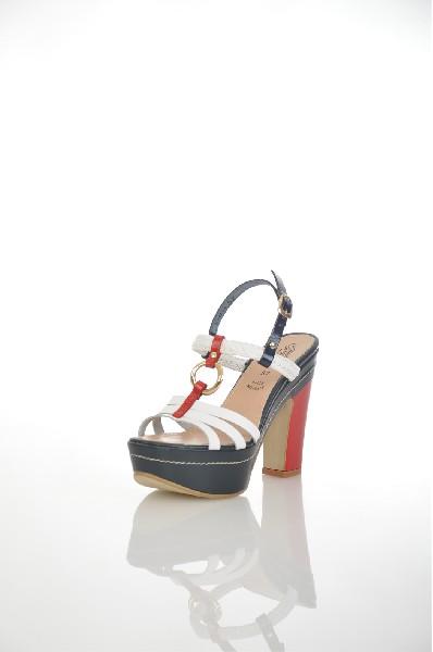 Босоножки JUST COUTUREЖенская обувь<br>Цвет: белый, красный<br> <br> Состав: натуральная кожа 100%<br> <br> Фактура материала Кожаный<br> Материал подошвы Резина<br> По назначению Ходьба<br> Вид застежки Пряжка<br> Высота каблука Высота: 3.7 см<br> Материал подкладки натуральная кожа<br> Материал стельки натуральная кожа<br> Вид обуви высокие<br> Вид каблука столбик<br> Вид мыска круглый<br> Сезон лето<br> Пол Женский<br> Страна бренда Италия<br> Страна производитель Италия<br><br>Высота каблука: 3.7 см<br>Материал: Натуральная кожа<br>Сезон: ЛЕТО<br>Коллекция: Весна-лето<br>Пол: Женский<br>Возраст: Взрослый<br>Цвет: Разноцветный<br>Размер RU: 37