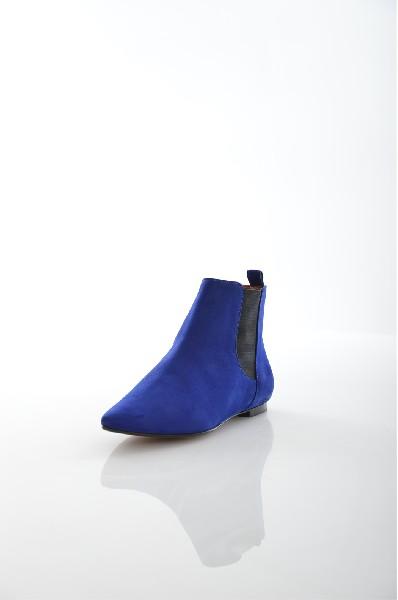 Ботильоны SchutzЖенская обувь<br>Цвет: синий<br> Описание: сезон - демисезонные<br><br> Материал верха: замша натуральная<br> Материал подкладки: кожа натуральная<br> Материал стельки: кожа натуральная<br> Материал подошвы: кожа натуральная, гладкая<br> Уход за изделием: чистка щеткой для замшевых изделий<br><br> Страна: США<br><br>Высота платформы: 0.5 см<br>Материал: Натуральная замша<br>Сезон: ВЕСНА/ОСЕНЬ<br>Коллекция: Осень-зима<br>Пол: Женский<br>Возраст: Взрослый<br>Цвет: Синий<br>Размер RU: 38