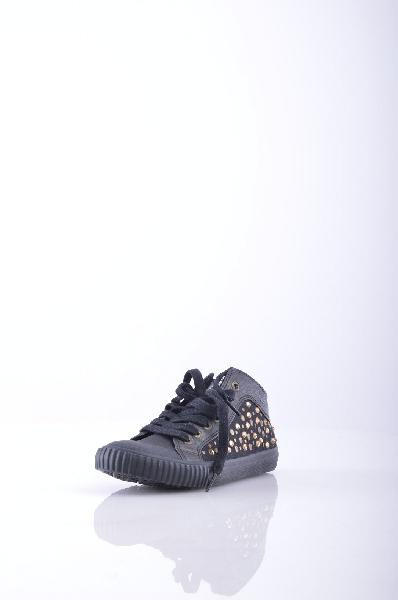 Кеды PEPE JEANSЖенская обувь<br>Материал: парусина, заклепки, логотип, стразы, одноцветное изделие, шнуровка, скругленный носок, резиновая подошва, без каблука. Текстильное волокно.<br>Страна: Великобритания<br><br>Материал: Искусственная кожа<br>Сезон: МУЛЬТИ<br>Коллекция: Весна-лето<br>Пол: Женский<br>Возраст: Взрослый<br>Цвет: Черный<br>Размер RU: 38