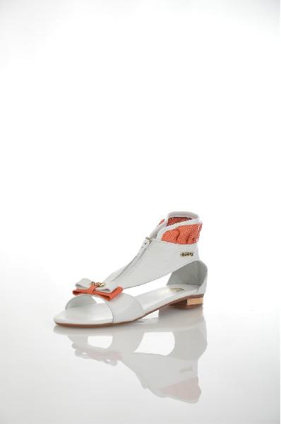 Босоножки CRESSIЖенская обувь<br>Цвет: белый, коралловый<br> Материал верха: кожа искусственная<br> Материал подкладки: кожа искусственная<br> Материал стельки: кожа искусственная<br> Материал подошвы: искусственный материал, рифлёная<br> Высота каблука: 1,5 см<br> Цвет и обтяжка каблука: коричневый...<br><br>Высота каблука: 1.5 см<br>Материал: Натуральная кожа<br>Сезон: ЛЕТО<br>Коллекция: (Справочник &quot;Номенклатура&quot; (Общие)): Весна-лето<br>Пол: Женский<br>Возраст: Взрослый<br>Цвет: Белый<br>Размер RU: 38