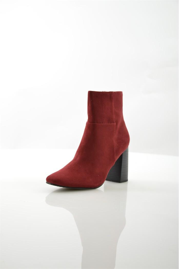 Полусапожки TamarisЖенская обувь<br>Цвет: красный<br> Состав: текстиль 100%<br> <br> Материал подкладки обуви: Текстиль<br> Габариты предмета: высота платформы: 0.01 см; высота каблука: 8.5 см; высота подошвы: 1 см<br> Материал подошвы обуви: искусственный материал<br> Материал стельки: текстиль<br> Вид ...<br><br>Высота каблука: 8.5 см<br>Материал: Текстиль<br>Сезон: ВЕСНА/ОСЕНЬ<br>Коллекция: (Справочник &quot;Номенклатура&quot; (Общие)): Осень-зима<br>Пол: Женский<br>Возраст: Взрослый<br>Цвет: Бордовый<br>Размер RU: 38