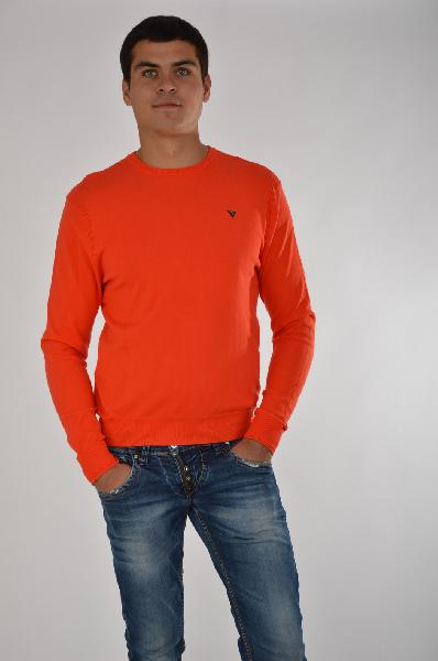 Джемпер Guess JeansДжемперы<br>Яркий джемпер Guess Jeans выполнен из стрейчевого хлопкового трикотажа оранжевого цвета. Детали: прямой крой, круглый вырез, окантовка в рубчик, вышивка с логотипом бренда.<br> <br> Состав Хлопок - 78%, Нейлон - 22%<br> Длина по спинке 69 см<br> Длина рукава 72 см<br> Цвет оранжевый<br> Сезон Мульти<br> Коллекция Весна-лето<br> Тип силуэта Прямой<br> Тип трикотажа Гладкий<br> Детали одежды вышивка<br><br>Материал: Хлопок<br>Сезон: МУЛЬТИ<br>Коллекция: Весна-лето<br>Пол: Мужской<br>Возраст: Взрослый<br>Цвет: Красный<br>Размер INT: L