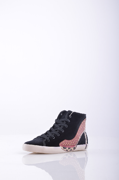 Высокие кеды OLOЖенская обувь<br>Материал: бархат, микрозаклепки, принт, логотип, одноцветное изделие, шнуровка, скругленный носок, резиновая подошва с тиснением, без каблука<br><br>Страна: Италия<br><br>Высота каблука: Без каблука<br>Материал: Текстильное волокно<br>Сезон: МУЛЬТИ<br>Коллекция: Весна-лето<br>Пол: Женский<br>Возраст: Взрослый<br>Цвет: Черный<br>Размер RU: 37