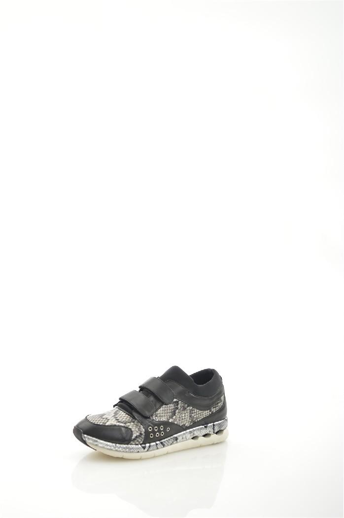 Кроссовки VitacciЖенская обувь<br>Цвет: черный<br> Материал верха: кожа натуральная<br> Материал подкладки: кожа натуральная<br> Материал стельки: кожа натуральная<br> Материал подошвы: искусственный материал, рифленая<br> Сезон: весна/осень<br> Уход за изделием: протирать губкой<br> Параметры изделия: для размера 38/38-длина стельки 24 см<br> <br> Страна: Россия<br><br>Материал: Натуральная кожа<br>Сезон: МУЛЬТИ<br>Коллекция: Весна-лето<br>Пол: Женский<br>Возраст: Взрослый<br>Цвет: Черный<br>Размер RU: 38