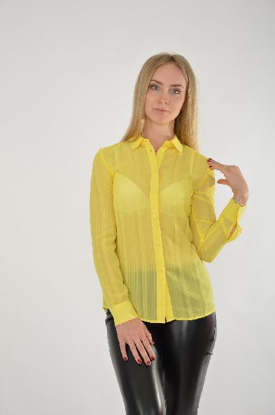Блуза Kira PlastininaЖенская одежда<br>Яркая блуза Kira Plastinina выполнена из легкого полупрозрачного шифона желтого цвета. Детали: прямой крой, застежка на пуговицы, отложной воротник, манжеты на пуговицах.<br> <br> Состав Полиэстер - 100%<br> Длина 64 см<br> Длина рукава 60 см<br> Цвет желтый<br> Сезо...<br><br>Материал: Полиэстер<br>Сезон: ЛЕТО<br>Коллекция: (Справочник &quot;Номенклатура&quot; (Общие)): Весна-лето<br>Пол: Женский<br>Возраст: Взрослый<br>Цвет: Желтый<br>Размер INT: S