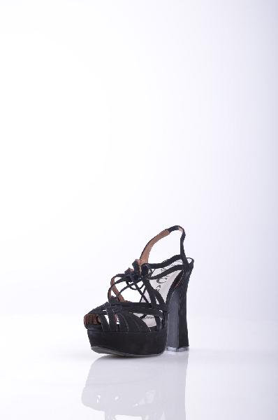 Сандалии JEFFREY CAMPBELLЖенская обувь<br>Замша, нубук, завязки, одноцветное изделие, эластичный ремешок, скругленный носок, резиновая подошва, обтянутый каблук. <br> Высота каблука: 13 см. <br> Высота платформы: 4.5 см <br>Страна: США<br><br>Высота каблука: 13 см<br>Высота платформы: 4.5 см<br>Материал: Натуральная кожа<br>Сезон: ЛЕТО<br>Коллекция: Весна-лето<br>Пол: Женский<br>Возраст: Взрослый<br>Цвет: Черный<br>Размер RU: 37