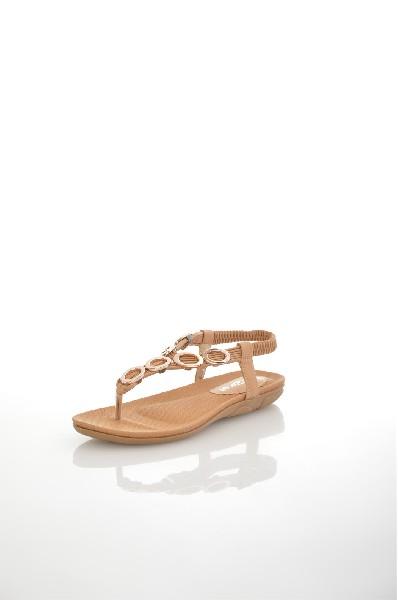 Сандалии AmazongaЖенская обувь<br>Цвет: бежевый<br> Состав: искусственная кожа<br> <br> Высота платформы: Низкая: 1.5 см<br> Материал верха: Искусственная кожа<br> Материал стельки: Искусственная кожа: 100 %<br> Материал подошвы: Резина: 100 %<br> Материал подкладки: Искусственная кожа: 0 %; искусственная кожа: 100 %<br> Форма мыска: Закругленный мысок<br> Вид застежки: Без застежки<br> Форма каблука: Танкетка<br> Особенность материала верха: Матовый<br> Декоративные элементы: без элементов<br> Высота каблука: Высота: 2.5 см<br> Материал подошвы обуви: резина: 0 %<br> Материал стельки обуви: искусственная кожа: 0 %<br> Сезон: лето<br> Пол: Женский<br> Страна: Россия<br><br>Высота каблука: 2.5 см<br>Высота платформы: 1.5 см<br>Материал: Искусственная кожа<br>Сезон: ЛЕТО<br>Коллекция: Весна-лето<br>Пол: Женский<br>Возраст: Взрослый<br>Цвет: Бежевый<br>Размер RU: 38