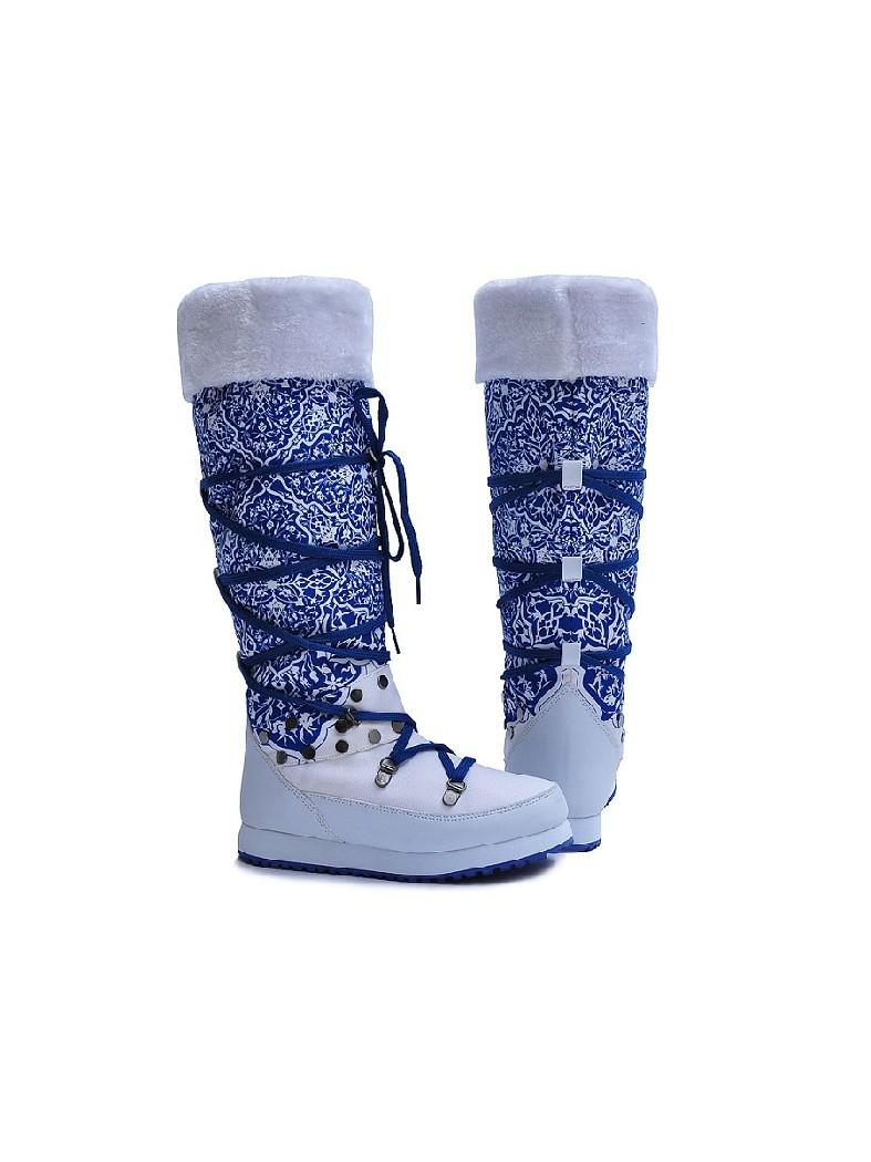 Дутики King BootsЖенская обувь<br>Цвет: белый<br> Состав: нейлон 100%<br> <br> Материал подкладки обуви: Искусственный мех<br> Голенище: Высота голенища: 36 см; Обхват голенища: 39 см<br> Габариты предмета (см): высота подошвы: 2.5 см<br> Материал подошвы обуви: ЭВА (этиленвинилацетат); резина<br> Материал стельки: искусственный мех<br> Вид мыска: закрытый<br> Сезон: зима<br> <br> Страна бренда: Германия<br><br>Высота платформы: 2.5 см<br>Объем голени: 39 см<br>Высота голенища / задника: 36 см<br>Материал: Нейлон<br>Сезон: ЗИМА<br>Коллекция: Осень-зима<br>Пол: Женский<br>Возраст: Взрослый<br>Цвет: Белый<br>Размер RU: 38