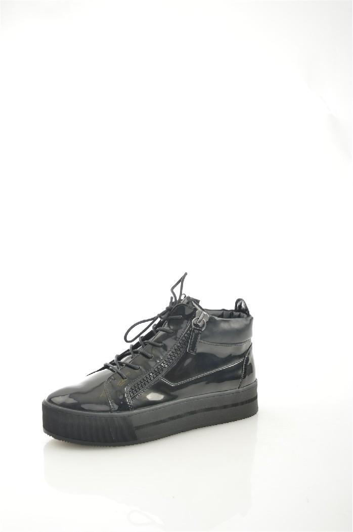 Кеды KeddoЖенская обувь<br>Материал верха: искусственная лаковая кожа<br> Внутренний материал: текстиль<br> Материал подошвы: полимер<br> Материал стельки: натуральная кожа<br> Высота голенища / задника: 9.5 см<br> Сезон: демисезон<br> Цвет: черный<br> <br> Страна: Великобритания<br><br>Высота голенища / задника: 9.5 см<br>Материал: Искусственная кожа<br>Сезон: ВЕСНА/ОСЕНЬ<br>Коллекция: Весна-лето<br>Пол: Женский<br>Возраст: Взрослый<br>Цвет: Черный<br>Размер RU: 38