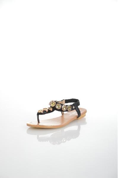 Пантолеты AmazongaЖенская обувь<br>Цвет: черный<br> <br> Состав: искусственная кожа<br> <br> Высота платформы Низкая: 0.5 см<br> Материал верха Искусственная кожа<br> Материал стельки Искусственная кожа<br> Материал подошвы Резина<br> Материал подкладки Искусственная кожа; искусственная кожа: 100 %<br> Форма мыска Закругленный мысок<br> Вид застежки Эластичная вставка<br> Особенность материала верха Матовый<br> Декоративные элементы Декоративные элементы<br> Высота каблука Высота: 1 см<br> Сезон лето<br> Пол Женский<br> Страна Россия<br><br>Высота каблука: 1 см<br>Высота платформы: 0.5 см<br>Материал: Искусственная кожа<br>Сезон: ЛЕТО<br>Коллекция: Весна-лето<br>Пол: Женский<br>Возраст: Взрослый<br>Цвет: Черный<br>Размер RU: 37