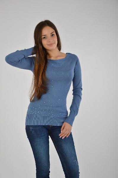 Пуловер MelroseЖенская одежда<br>Стильный пуловер с круглым неглубоким вырезом из качественного материала, который хорошо садится по фигуре. Изделие имеет спокойную серо-голубую расцветку, передняя часть украшена стразами. <br>Спереди отделка сверкающими стразами. Длина ок. 64 см. Мягкий, приятный для тела<br>Материал: трикотаж, 70% вискоза, 30% полиамид<br><br>Материал: Вискоза<br>Сезон: МУЛЬТИ<br>Коллекция: Осень-зима<br>Пол: Женский<br>Возраст: Взрослый<br>Цвет: Синий<br>Размер INT: XS