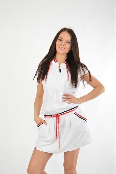 Платье NicClubЖенская одежда<br>Платье короткое из велюра с капюшоном. Модель выполнена из высококачественного материала приятной расцветки. Отличный вариант для повседневного использования.<br> <br> Цвет: белый<br> <br> Состав: хлопок 80%, полиэстер 20%<br> <br> Длина изделия Мини: 87 см<br> Длина рукава Короткие: 10 см<br> Тип карманов Втачные<br> Сезон лето<br> Пол Женский<br> Страна бренда Испания<br> Страна производитель Италия<br><br>Материал: Хлопок<br>Сезон: ЛЕТО<br>Коллекция: Весна-лето<br>Пол: Женский<br>Возраст: Взрослый<br>Цвет: Белый<br>Размер INT: L