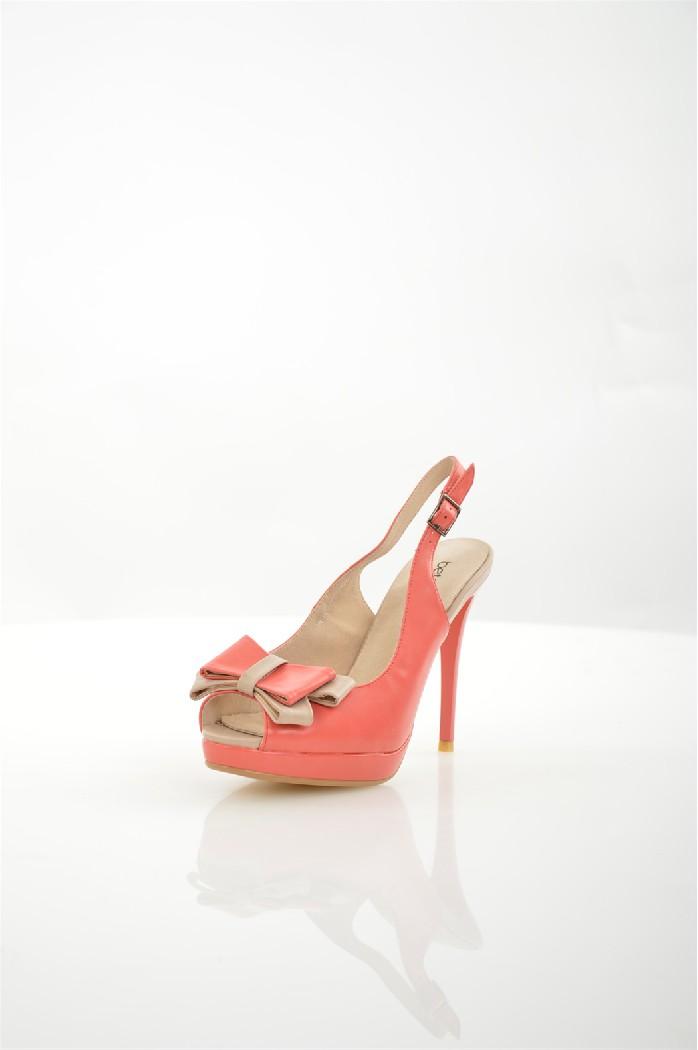 Босоножки BetsyЖенская обувь<br>Цвет: коралловый<br> Состав: искусственная кожа 100%<br> <br> Вид застежки: Пряжка<br> Материал подошвы: Полимер<br> Габариты предмета: высота каблука: 12 см<br> Материал подкладки: натуральная кожа<br> Высота обуви: низкие<br> Вид каблука: шпилька<br> Назначение обуви: по...<br><br>Высота каблука: 12 см<br>Материал: Искусственная кожа<br>Сезон: ЛЕТО<br>Коллекция: (Справочник &quot;Номенклатура&quot; (Общие)): Весна-лето<br>Пол: Женский<br>Возраст: Взрослый<br>Цвет: Розовый<br>Размер RU: 38