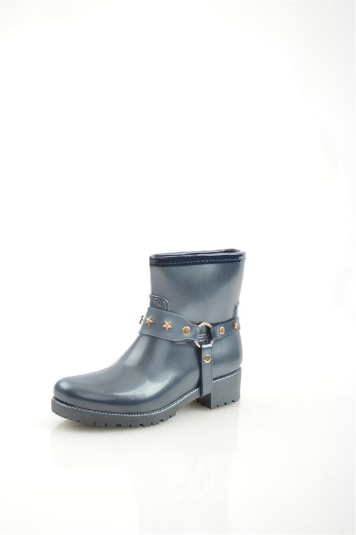 Резиновые полусапоги KeddoЖенская обувь<br>Байковая подкладка и стелька; декоративный ремешок с металлическими элементами, имитирующий шпору; резиновые подошва и каблук с глубоким протектором.<br> <br> Материал верха: резина<br> Внутренний материал: байка<br> Материал подошвы: резина<br> Материал стельки: байка<br> Высота каблука: 4 см<br> Высота голенища / задника: 16 см<br> Сезон: демисезон<br> Цвет: синий<br> <br> Страна бренда: Соединенное Королевство<br><br>Высота каблука: 4 см<br>Высота голенища / задника: 16 см<br>Материал: Резина<br>Сезон: ВЕСНА/ОСЕНЬ<br>Коллекция: Осень-зима<br>Пол: Женский<br>Возраст: Взрослый<br>Цвет: Темно-серый<br>Размер RU: 38