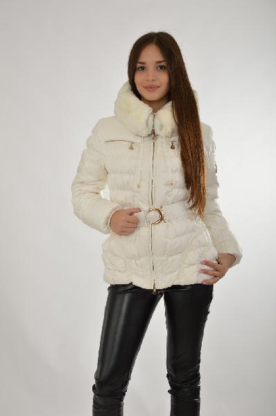 Куртка La Reine BlancheЖенская одежда<br>Материал: 100% Полиэстер.<br> Женское текстильное пальто на натуральном пуху с текстильным поясом с отделкой мехом кролика.<br> Страна: Франция<br><br>Материал: Полиэстер<br>Сезон: ВЕСНА/ОСЕНЬ<br>Коллекция: Осень-зима<br>Пол: Женский<br>Возраст: Взрослый<br>Цвет: Белый<br>Размер INT: S