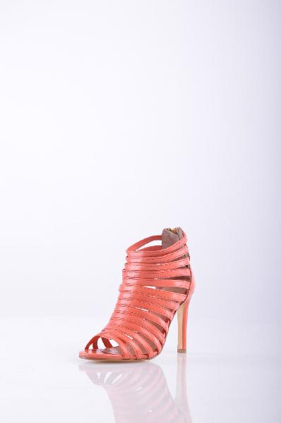 Ботильоны ALEXANDRAЖенская обувь<br>Описание: одноцветное изделие, молния сзади, скругленный носок, без аппликаций, кожаная подошва, обтянутый каблук-стилет.<br><br><br> Высота каблука: 10 см<br><br><br> Страна: Италия<br><br>Высота каблука: 10 см<br>Материал: Натуральная кожа<br>Сезон: ЛЕТО<br>Коллекция: Весна-лето<br>Пол: Женский<br>Возраст: Взрослый<br>Цвет: Оранжевый<br>Размер RU: 37
