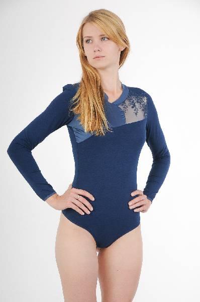 Блуза-боди ArefevaЖенская одежда<br>Цвет: темно-синий<br><br><br>Состав:95% хлопок, 5% эластан<br><br><br>Параметры изделия: для размера XL/50: обхват груди 100 см, длина рукава 60 см, длина изделия по спинке 73 см<br><br><br>Уход за изделием: стирка в теплой воде до 30 °С<br><br><br>Страна дизайна: Украина<br><br><br>Страна производства: Россия<br><br><br>Товар сертифицирован.<br><br>Материал: Хлопок<br>Сезон: ЛЕТО<br>Коллекция: Весна-лето<br>Пол: Женский<br>Возраст: Взрослый<br>Цвет: Синий<br>Размер INT: S