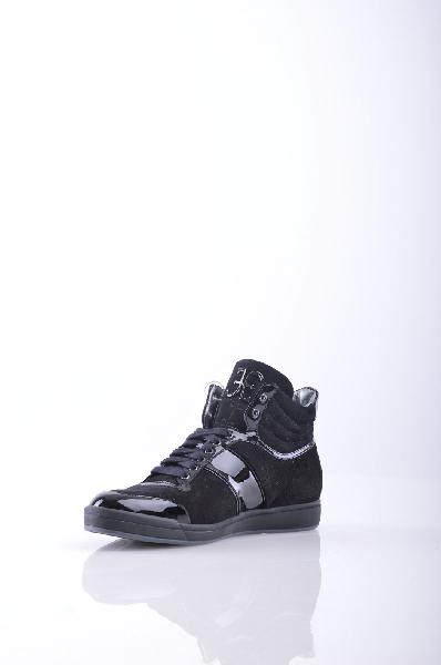 Высокие кеды FABIЖенская обувь<br>Описание: замша, эффект лакировки, аппликации из металла, логотип, одноцветное изделие, шнуровка, скругленный носок, резиновая подошва.<br>Страна: Италия<br><br>Высота каблука: Без каблука<br>Материал: Натуральная кожа<br>Сезон: ЛЕТО<br>Коллекция: Весна-лето<br>Пол: Женский<br>Возраст: Взрослый<br>Цвет: Черный<br>Размер RU: 37