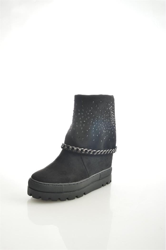 Полусапоги DameroseЖенская обувь<br>Материал верха: искусственный велюр<br> Внутренний материал: текстиль<br> Материал подошвы: искусственный материал<br> Материал стельки: текстиль<br> Высота каблука: 10 см<br> Высота голенища / задника: 12 см<br> Обхват голенища: 31 см<br> Сезон: демисезон<br> Цвет: черный<br> Застежка: на молнии<br> Детали обуви: камни/стразы, металл<br> Цвет фурнитуры: черный<br> <br> Страна бренда: Италия<br> Страна производства: Китай<br><br>Высота каблука: 10 см<br>Объем голени: 31 см<br>Высота голенища / задника: 12 см<br>Материал: Искусственный велюр<br>Сезон: ВЕСНА/ОСЕНЬ<br>Коллекция: Осень-зима<br>Пол: Женский<br>Возраст: Взрослый<br>Цвет: Черный<br>Размер RU: 38