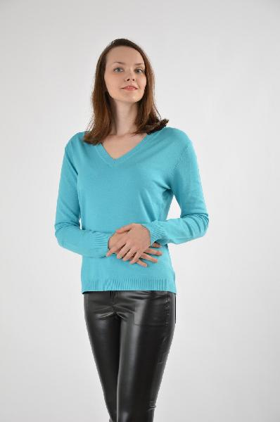 Пуловер Grand PommesЖенская одежда<br>Пуловер от французского бренда отличается качественным исполнением в сочетании с традиционным кроем. Яркий бирюзово-голубой оттенок придаст свежести, а V-образный вырез выгодно визуально удлинит шею. <br>Материал: 70% шерсть, 30 % полиамид<br>Страна: Франция<br><br>Материал: Шерсть<br>Сезон: МУЛЬТИ<br>Коллекция: Весна-лето<br>Пол: Женский<br>Возраст: Взрослый<br>Цвет: Голубой<br>Размер INT: S