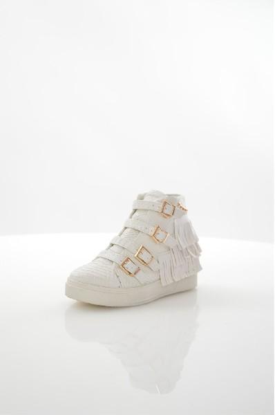 Кеды на танкетке Chic &amp; SwagЖенская обувь<br>Кеды Chic &amp;amp; Swag выполнены из искусственной кожи. Детали: застежка на молнию, текстильная стелька и подкладка, скрытая танкетка.<br><br> Материал верха искусственная кожа<br> Внутренний материал текстиль<br> Материал стельки текстиль<br> Материал подошвы резина<br> Высота голенища / задника 9 см<br> Высота каблука 6 см<br> Тип каблука Скрытая танкетка<br> Застежка на молнии<br> Цвет белый<br> Сезон Демисезон<br> Стиль Повседневный<br> Коллекция Весна-лето<br> Детали обуви бахрома/кисточки<br> Узор Животные<br> Высота каблука Средний<br> Тип спортивной обуви Высокие<br><br> Страна: Франция<br><br>Высота каблука: 8 см<br>Высота голенища / задника: 9 см<br>Материал: Искусственная кожа<br>Сезон: ВЕСНА/ОСЕНЬ<br>Коллекция: Весна-лето<br>Пол: Женский<br>Возраст: Взрослый<br>Цвет: Белый<br>Размер RU: 37