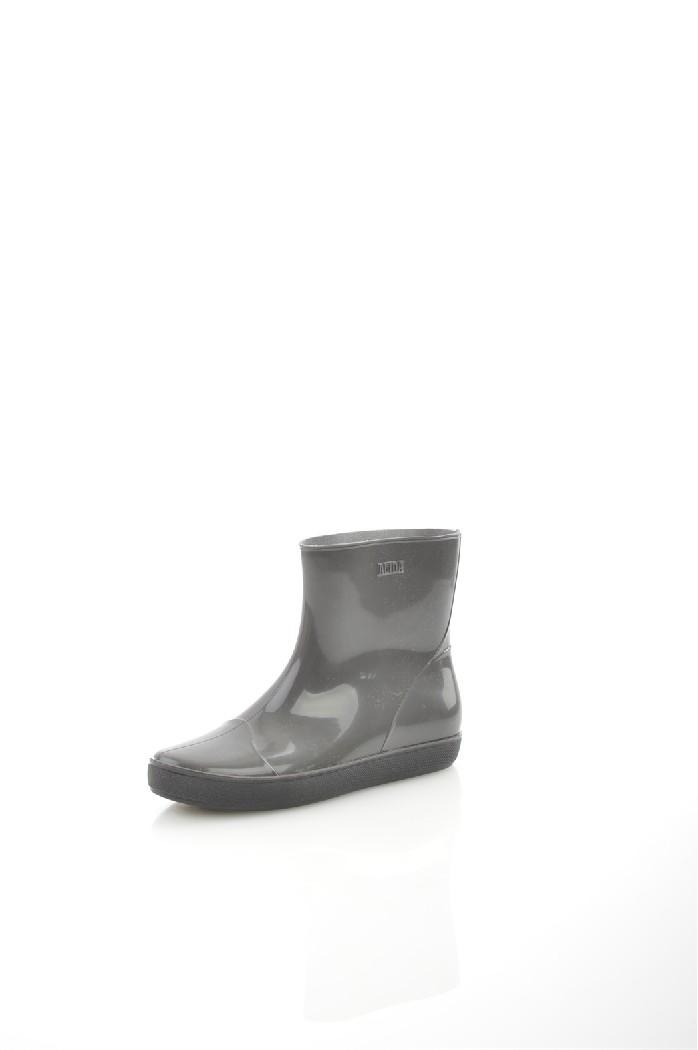 Резиновые сапоги NordmanЖенская обувь<br>Цвет: серый<br> Состав: ПВХ 100%<br> <br> Материал подкладки обуви: Текстиль<br> Голенище: Обхват голенища: 31 см; Высота голенища: 18 см<br> Габариты предмета (см): высота платформы: 2 см; высота подошвы: 2 см; высота каблука: 2 см<br> Материал подошвы обуви: ПВХ<br> Материал стельки: без стельки<br> Сезон: круглогодичный<br> <br> Страна бренда: Россия<br> Страна производитель: Россия<br><br>Высота каблука: 2 см<br>Высота платформы: 2 см<br>Объем голени: 31 см<br>Высота голенища / задника: 18 см<br>Материал: ПВХ<br>Сезон: ВЕСНА/ОСЕНЬ<br>Коллекция: Весна-лето<br>Пол: Женский<br>Возраст: Взрослый<br>Цвет: Серый<br>Размер RU: 38